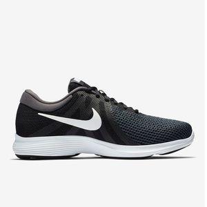 New! Nike revolution 4